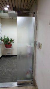 玖陽視覺 公司大門玻璃貼 大圖輸出 貼圖施工